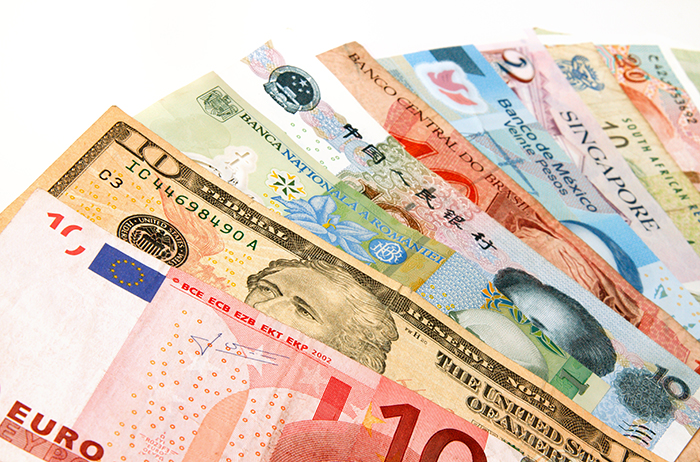 Withdrawing Money Abroad: Best Way To Exchange Currency